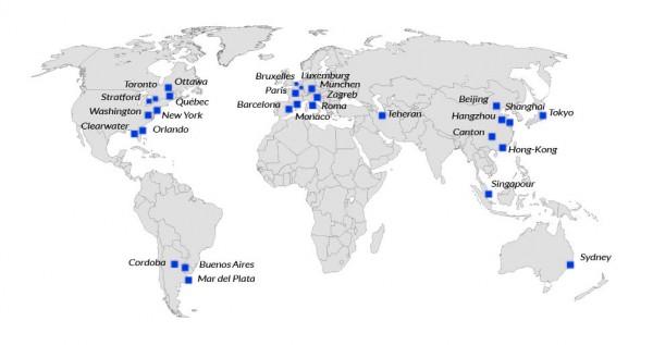 mappe_monde_pantone_bleu